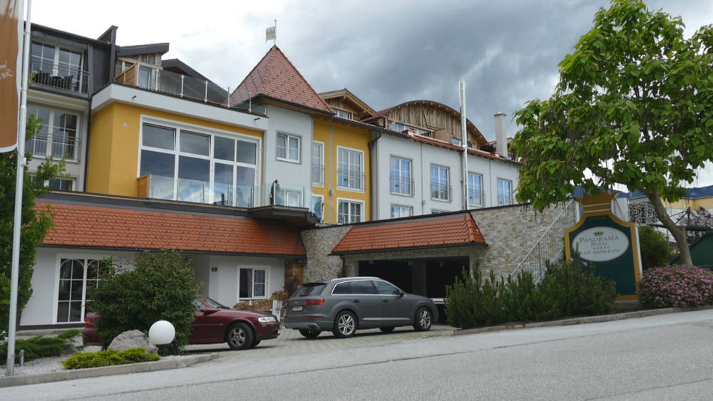 Video: Interview mit Peter Mayer Panorama Hotel in in Bad Häring - Tirol